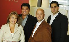 El equipo de V-Team de Royal Lepage, especializado en compra y venta de inmuebles en Toronto.