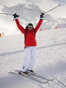 El esquí alpino es uno de los deportes de invierno más populares.