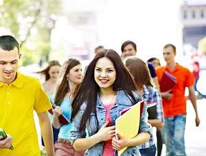 Durante el verano se multiplican las posibilidades para practicar la lengua extranjera.