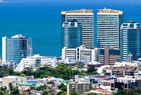 Trinidad & Tobago, ex colonia Británica, destaca como la isla de mayor desarrollo económico del Caribe.