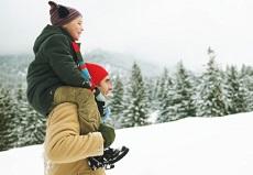 Los inmigrantes se adaptan al invierno haciendo suyos los hábitos y costumbres de los lugareños.