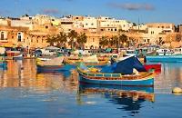 Algunos países como Australia, Canadá y Malta permiten que los extranjeros trabajen durante sus estudios.