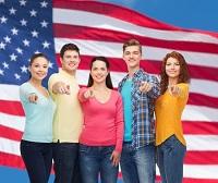 Cada mes, en Estados Unidos, 50 mil jóvenes hispanos cumplen 18 años, la edad necesaria para votar.