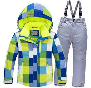Abrigo y pantalón de invierno a juego.