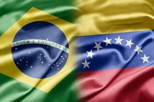 Según cálculos del gobierno del estado brasileño de Roraima, diariamente entran cien venezolanos por tierra a Brasil.