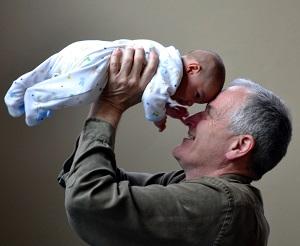 La supervisa es una opción que ofrece Canadá para que los padres y abuelos puedan pasar más tiempo junto a sus familiares canadienses.