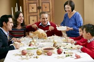 La cena de Nochebuena para degustar la comida típica de Navidad es, sin duda, la tradición más celebrada por los inmigrantes latinos e hispanos alrededor del mundo.